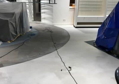 Beton look vloer opnieuw in de PU coating gezet