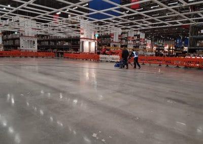 Betonvloer schuren en polijsten IKEA