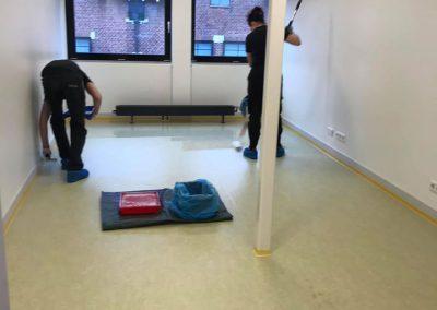 Bij ZRTI te Vlissingen de nieuwe vloeren voorzien van een duurzame 2k coating.