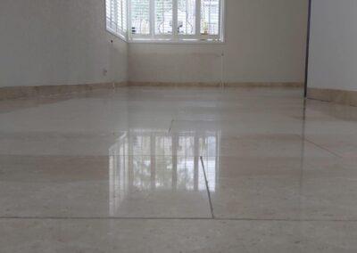 Marmeren vloer weer netjes gemaakt Heinkenszand
